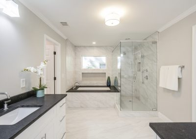 Silvapine master bathroom 2